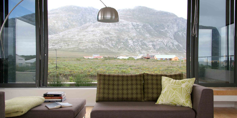 View of the Betty's Bay mountains: Photo David Ross