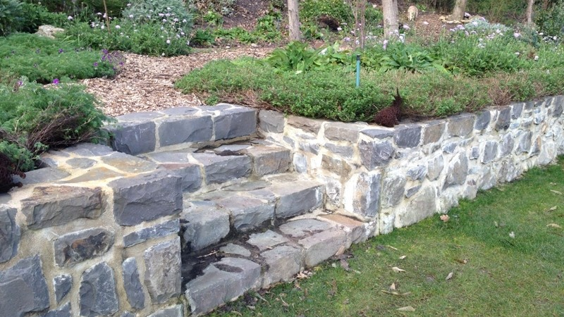 Garden wall and stair